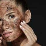 Fondi di caffè: segreti di bellezza per pelle e capelli