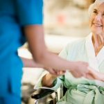 Anziani: i vantaggi dell'assistenza a domicilio