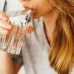 Acqua: perché fa bene alla salute e quali sono i suoi benefici?