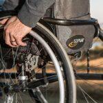 Disabile in casa, l'importanza di un servoscale